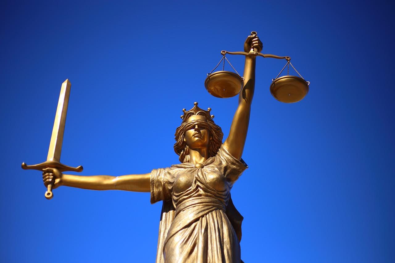 ファクタリングに法的な問題点はある?【ファクタリング利用検討中の方へ】